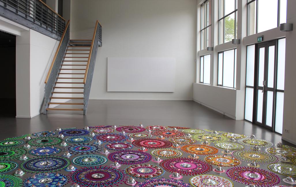 emmen een schilderij en een vloerwerk voor site_1026