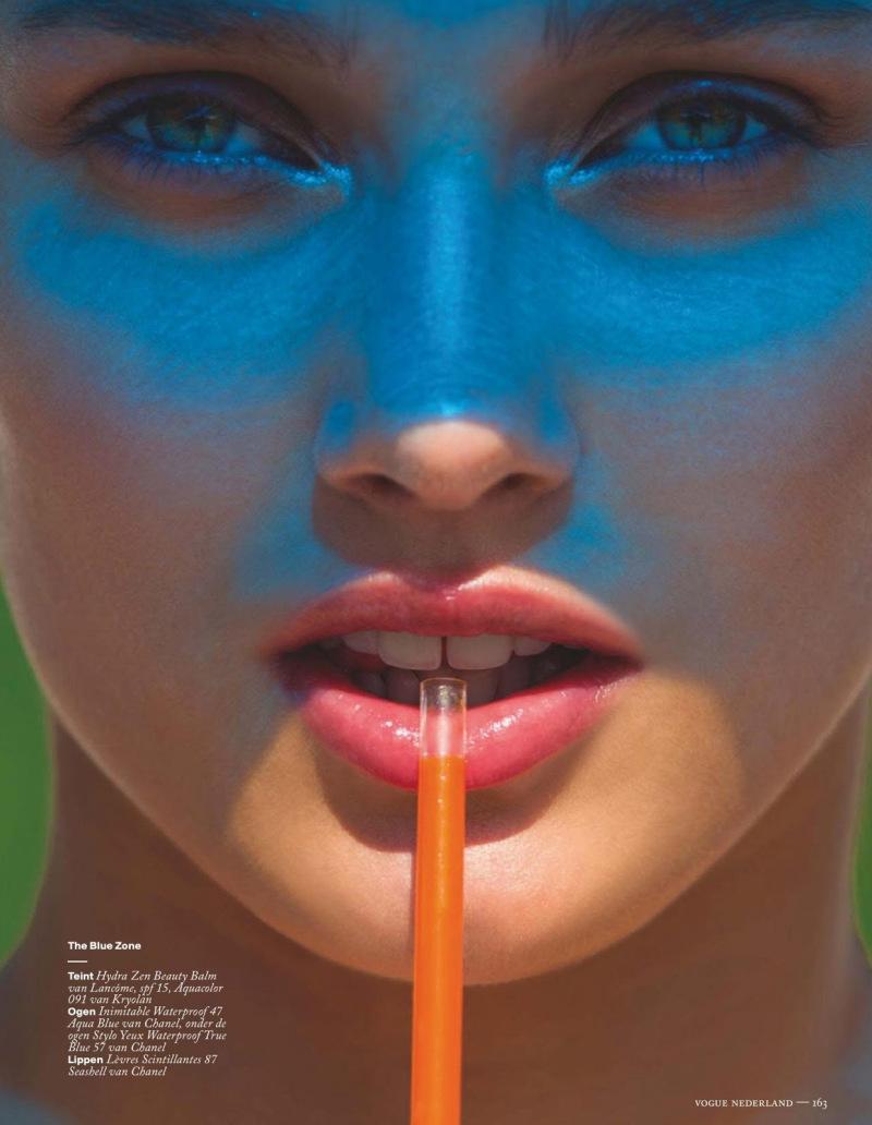 Karlie-Kloss-Constance-Jablonski-Karmen-Pedaru-by-Hans-Feurer-for-Vogue-Netherlands-June-2013-5